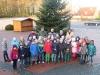Weihnachtsbaum aufstellen, Klassen 3ab, 6.12.2013
