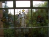 Glasfenster im Schulgebäude