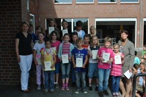Übergabe Sportfest-Urkunden, Klassenbeste, 28.06.2012